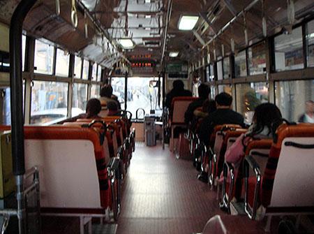 061229_阪神電鉄バス・鳴尾浜ゆき・車内