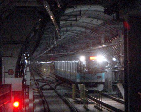 080116_京阪800系・シールド工法で建設されたトンネル