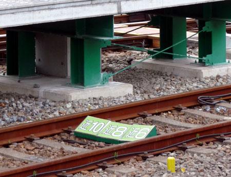 090311_尼崎駅・近鉄車両停止位置