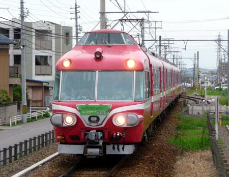 090809_7000系パノラマカー・桜町前駅