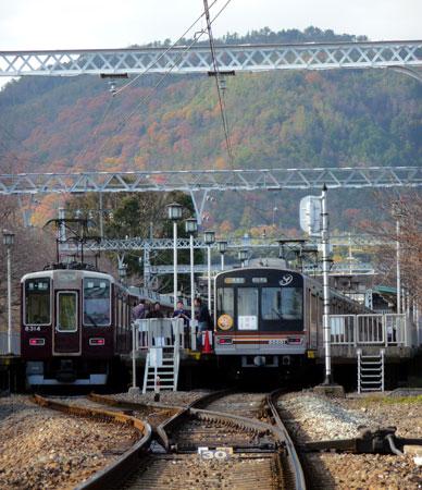 091206_嵐山駅・8300系・66系