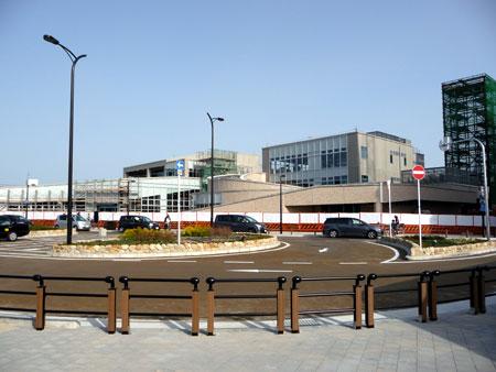 100314_摂津市駅・駅前広場