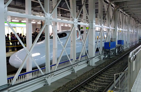 110312_九州新幹線一番列車・博多駅