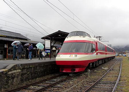 120331_長野電鉄1000系「ゆけむり」・松代駅