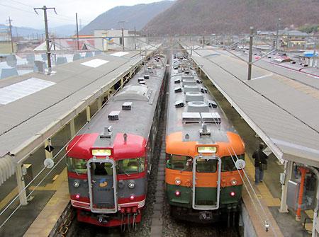 130406_115系・169系・戸倉駅