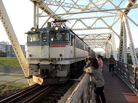 131028_城東貨物線赤川鉄橋(淀川橋梁)・EF65