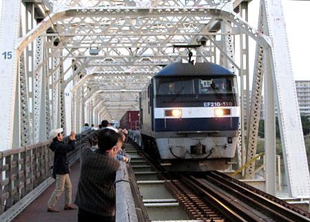 131028_城東貨物線赤川鉄橋(淀川橋梁)・EF210