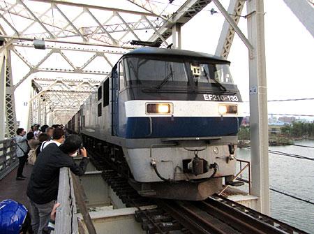 131031_城東貨物線赤川仮橋(淀川橋梁)・EF210